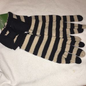 kate spade Accessories - Kate Spade knit gloves. Size medium striped NWT